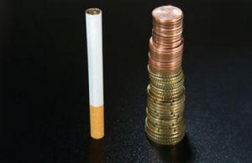 foto-merokok-juga-berdampak-buruk-bagi-perekonomian-keluarga