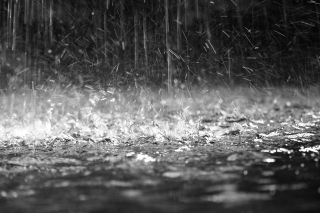 hujan-malam-hari