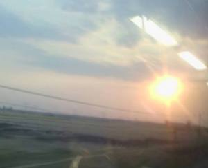 Senja di jendela kereta api yang memilukan hati