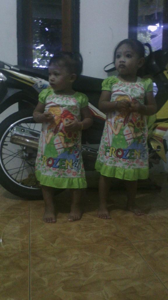 Masya Dan Naila, Si kembar Yang Jelas Beda