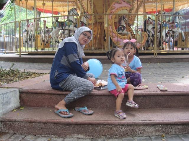 Dewi nadzifah, Naila Ainur zahira, Miftah Khoirun Nisa